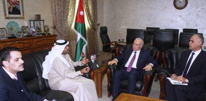 وزير التعليم العالي والبحث العلمي الأردني يلتقي الملحق الثقافي القطري